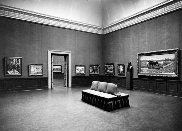 Bild Ein Blick in die klassizistischen Räume des Ausstellungsgebäudes am Königsplatz, um 1930