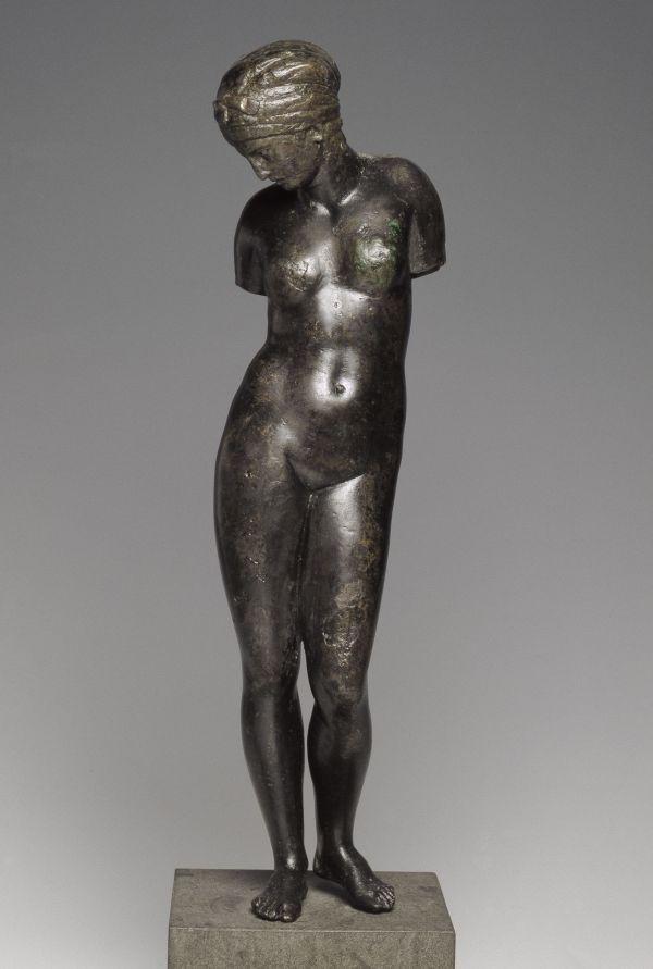 Bild Das Mädchen von Beröa ist ein Meisterwerk im kleinen Format. Bronzestatuette, 120–100 v. Chr.