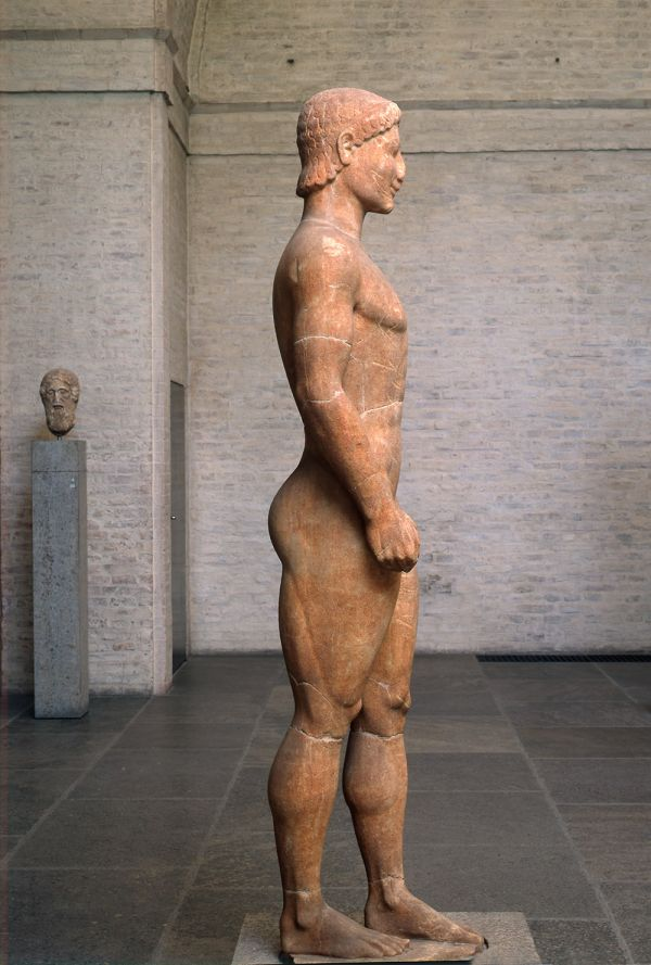 Bild Münchner Kuros, Marmorstatue eines Jünglings aus Attika, um 540 v. Chr.