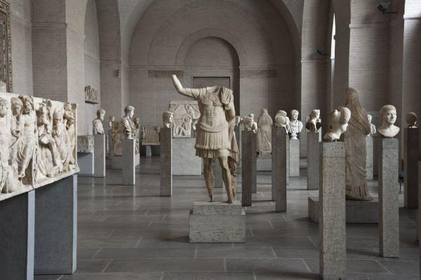 Bild Der Römersaal der Glyptothek mit der weltweit herausragenden Porträtsammlung