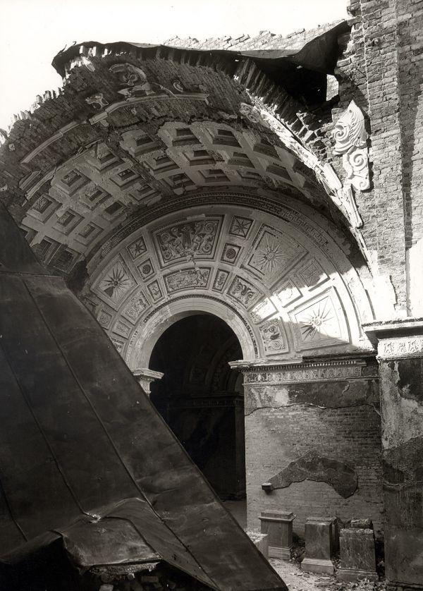 Bild Kriegszerstörung in Saal 3 der Glyptothek, 1945