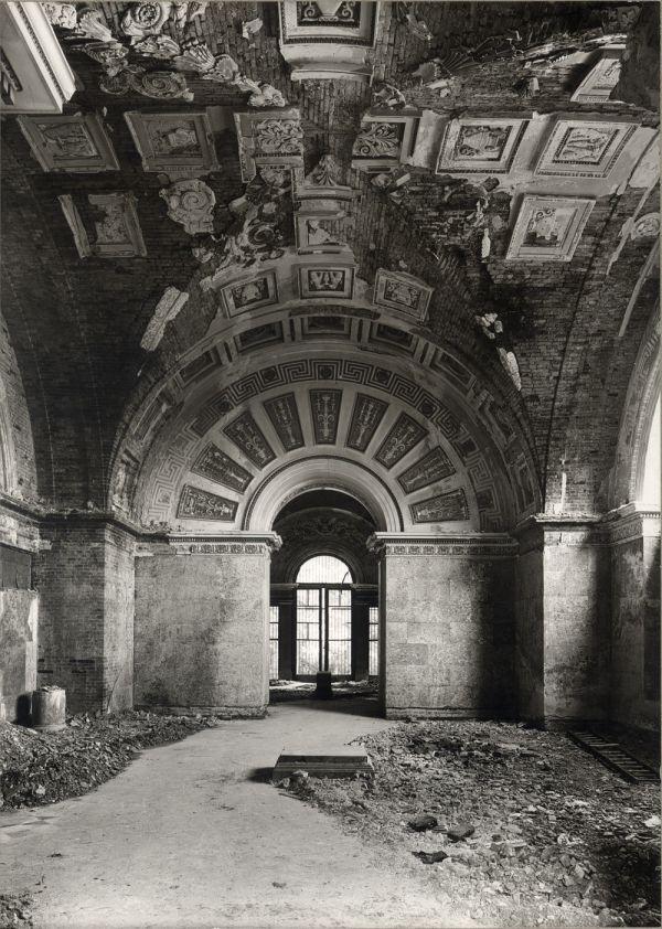 Bild Kriegszerstörung in Saal 5 der Glyptothek, 1945