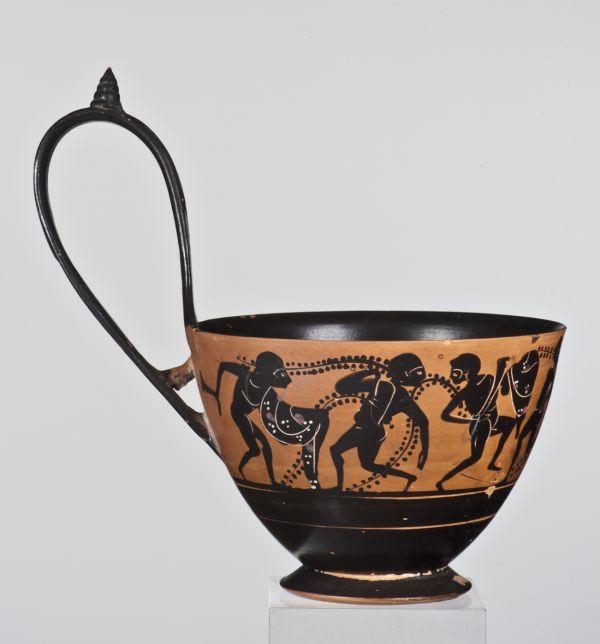 Bild Schöpfgefäße wie dieser Kyathos wurden in Athen für den etruskischen Markt produziert, 500–480 v. Chr.